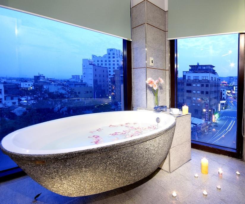 西式四人房-3-塘瓷浴缸.jpg