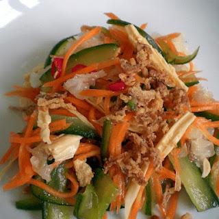 """Vegetarian """"Chicken"""" Salad"""