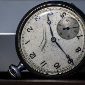 by Ercan Kuru - Artistic Objects Antiques ( time, clock )