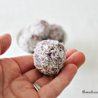 Berry Coconut Energy Bites