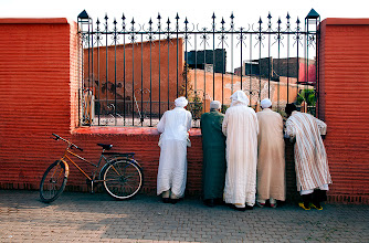 Photo: This is another one of my favourites from Marrakech. It really is a pink city! They don't call it that for no reason. I don't know what these men were looking at and I think it's better that way. There will always be this mystery element in this picture. Have a great Sunday!  #SacredSunday #PlusPhotoExtract #photography #potd #FineArtPls