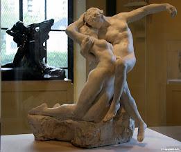 Photo: L'éternel Printemps de Auguste Rodin