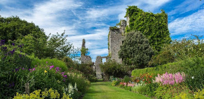 Self-Catering Holiday Accommodation In Portpatrick | The Lighthouse Studio Apartment | Castles & Gardens
