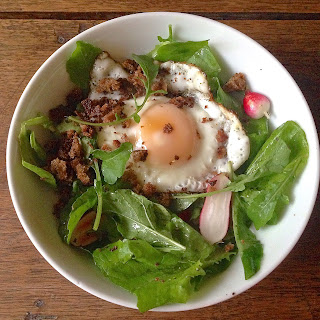 Fried Egg and Rye Breakfast Salad