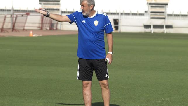 El nuevo entrenador espera mucho de sus jugadores.