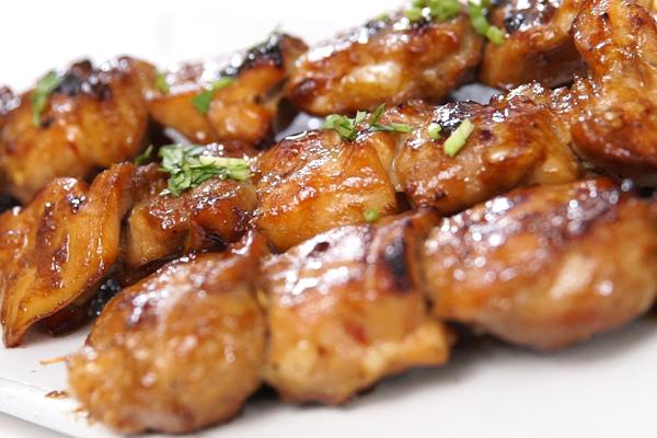 Thịt xiên nướng thơm lừng từng ngóc ngách
