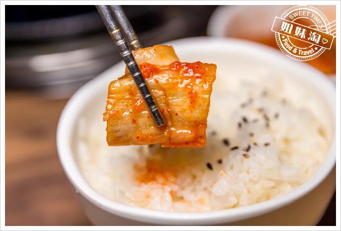 大頭韓式泡菜白飯
