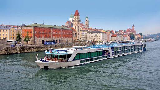 AmaCello from AmaWaterways passes a passel of historic buildings fronting the Danube River in Budapest, Hungary.