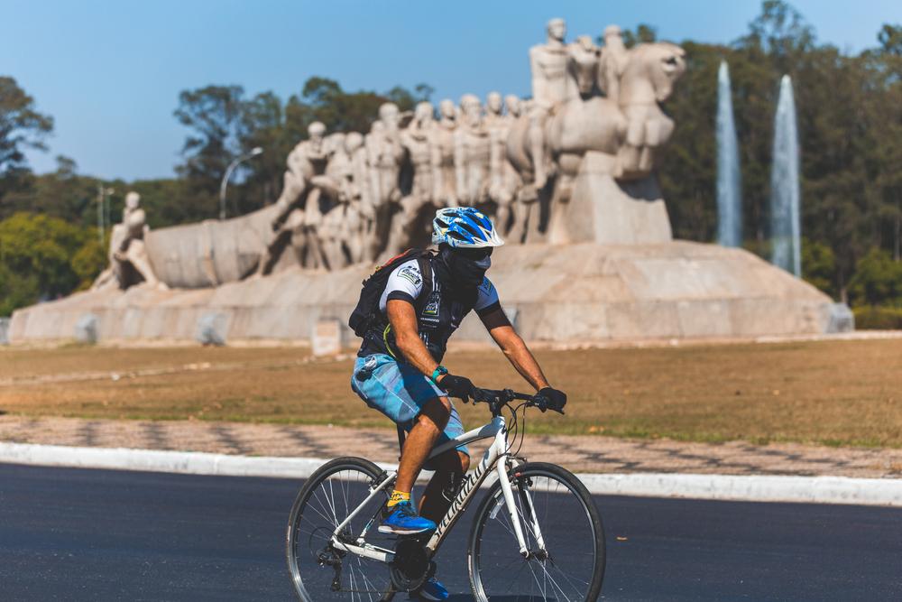 Apesar de recomendação da OMS, não houve aumento do número de ciclistas nas capitais brasileiras incluídas na pesquisa. (Fonte: Shutterstock)