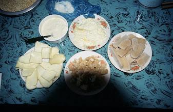 Photo: 03483 シリンホト/レストラン/乳製品各種