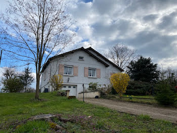maison à Neuvy (03)