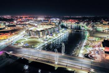 Go to River Vista Apartments website