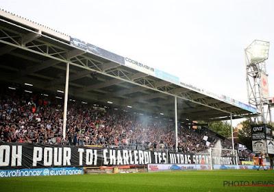 """📷 """"Trop de chèvres"""" à Charleroi : les Storm Ultras secouent leurs joueurs après le 0/9"""