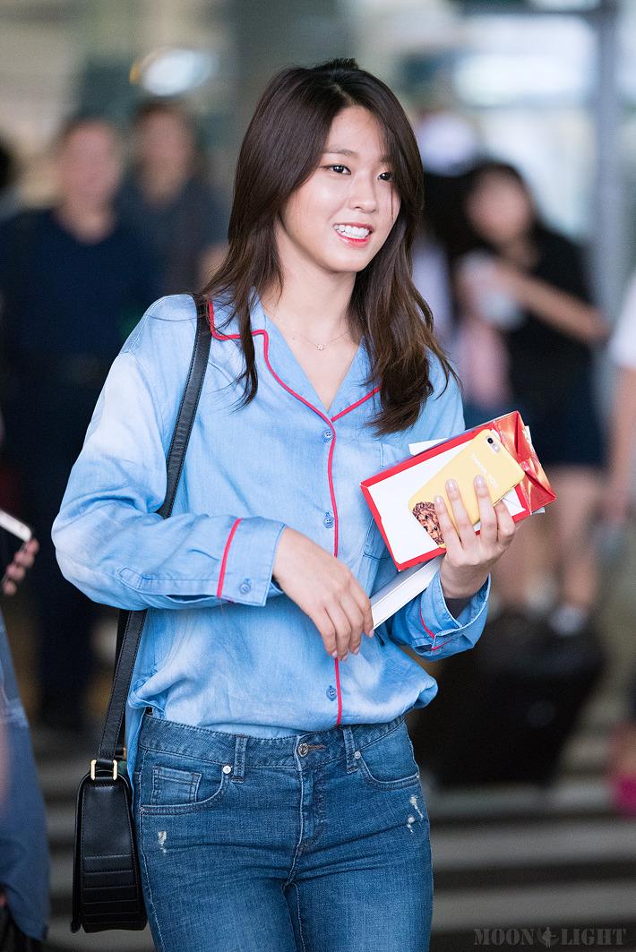 seolhyun jeans 37