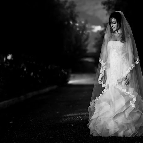 Wedding photographer Riccardo Piccinini (riccardopiccini). Photo of 15.01.2018