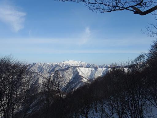上谷山(手前に谷山)