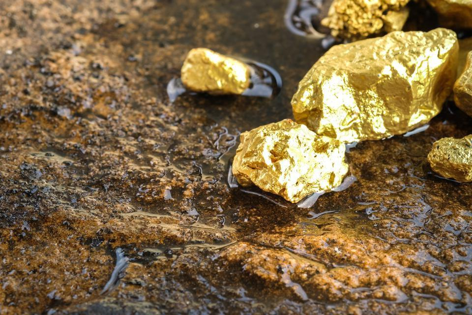 8 Ways To Invest In Gold Miners