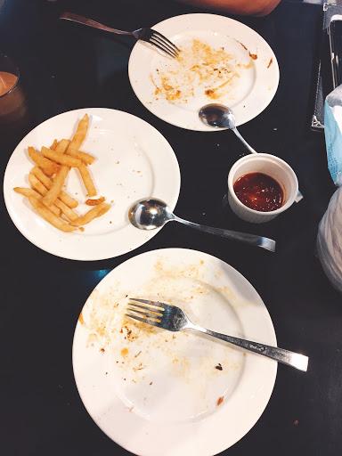 義大利麵好好吃❤️ 雞腿無敵!!!而且不怕人吃,一直來詢問還有沒有要pizza跟雞腿👍🏻👍🏻👍🏻 (吃完來不及拍照😂)
