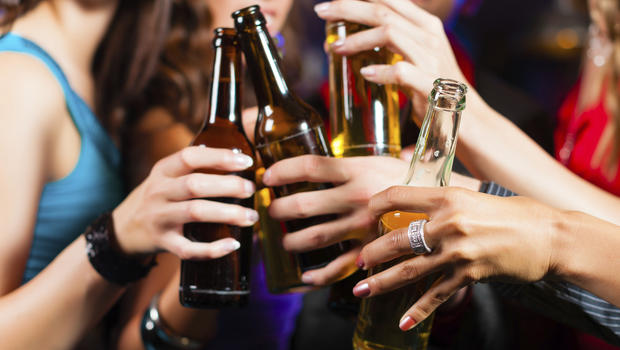 Alcohol industry suppresses facts about alcohol-related cancer risk