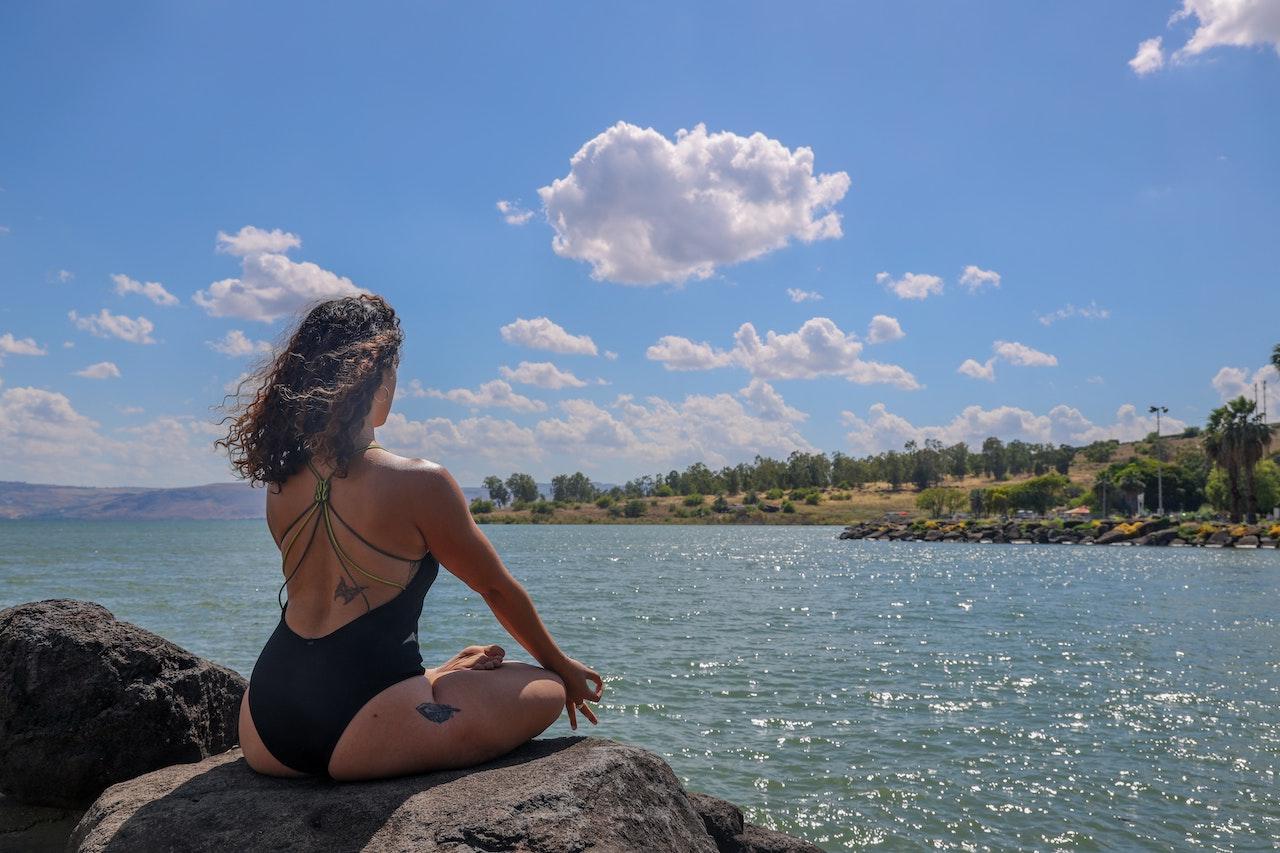 beach yoga in kauai