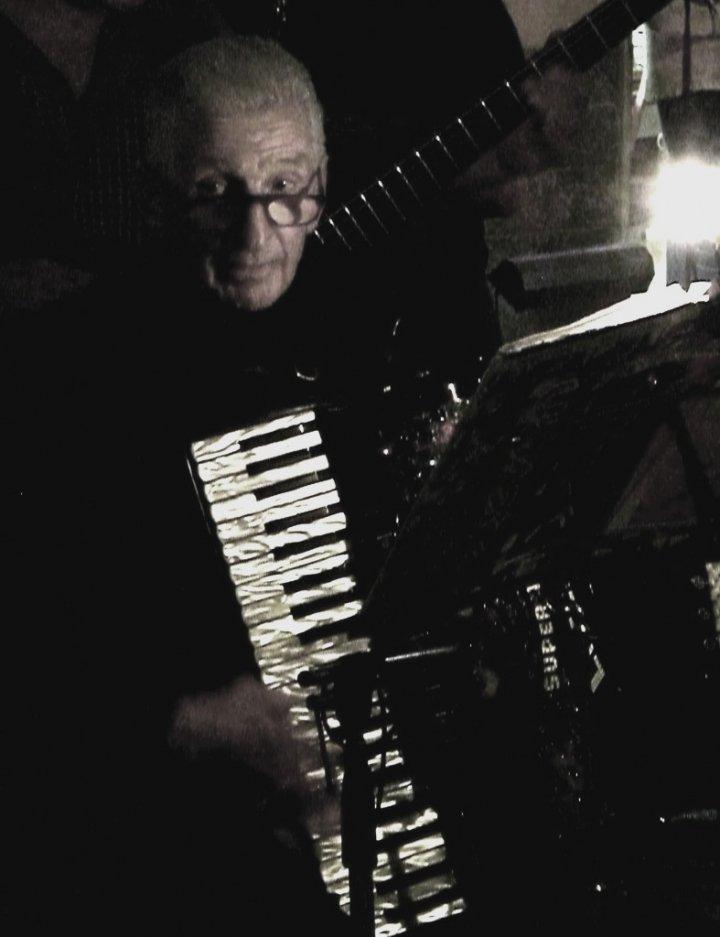 Musica maestro! di AnnaMaria
