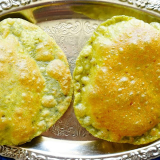 How to Make Spinach Puri | Palak Puri Recipe