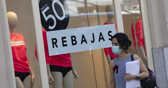 Los comerciantes esperan recuperar algo de negocio con las rebajas