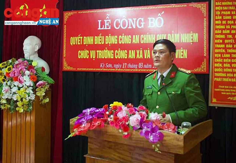 Đồng chí Thượng tá Tô Văn Hậu, Trưởng Công an huyện Kỳ Sơn phát biểu tại buổi lễ.