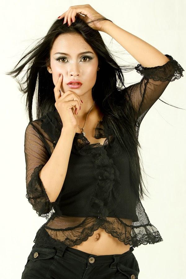 by Gde Ndutz - People Fashion