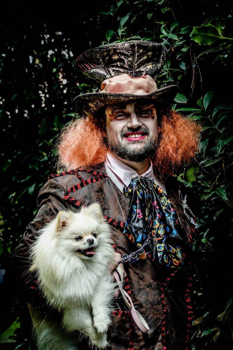 La gente vede la follia nella mia colorata e brillante vivacità. di photoday03