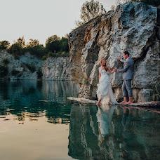 Wedding photographer Monika Machniewicz-Nowak (desirestudio). Photo of 11.09.2017