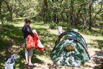Photo: De tweede camping met inmiddels lekker weer: aire naturelle Les Lavandes bij Soyans met ruime terrasplekken onder eikenboompjes
