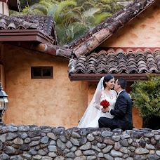 Wedding photographer Alberto Quiros Bonett (albertoquirosbo). Photo of 14.01.2015