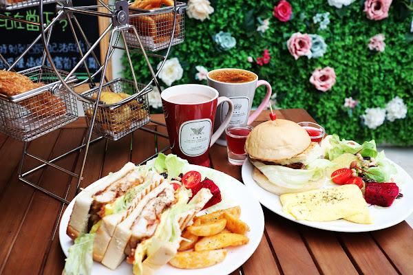 徒步3分.小食光,台北早午餐,中山國中站,下午茶甜點,食尚玩家採訪,大推情有獨鐘大雞腿三明治,摩天輪炸物