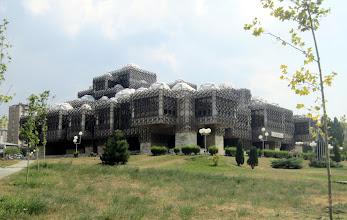 Photo: Kansallis- ja yliopiston kirjasto Pristinassa - aika erikoisen näköinen rakennus!