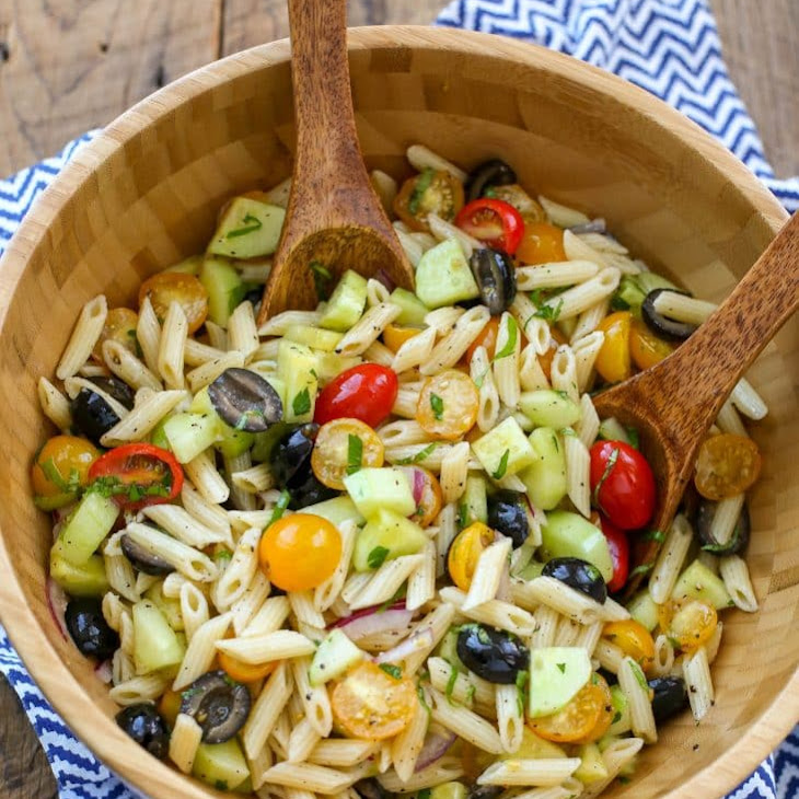 Italian Pasta Salad with Tomatoes, Cucumbers, and Olives Recipe