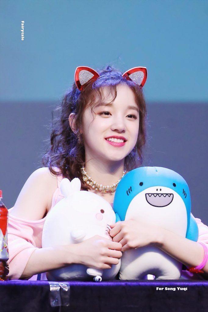 cute idol 22