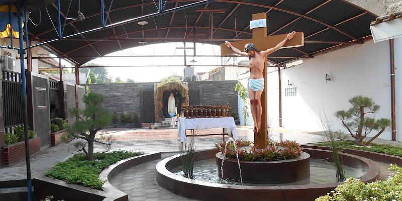 Taman Devosi yang berada di Gereja Katolik Santo Paulus