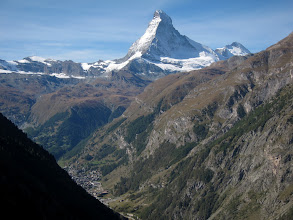 Photo: ... until we catch our first glimpse of the mighty Matterhorn (14688 ft / 4477 m).