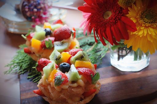 IG上熱門打卡景點♥️ 輕食及甜點與花藝的結合 每道甜點旁襯托的花藝是美麗的老闆娘的傑作 😊😊👍🏻👍🏻😋😋🌹🌹