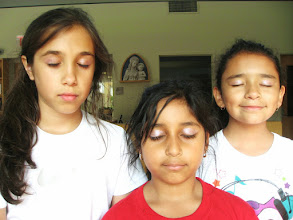 Photo: Bollywood lesson by Gargi at the Challenge Camp 2014 (day 4).... experimenting some eye shadow