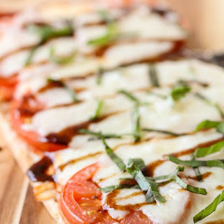 Caprese Flatbread Pizza.