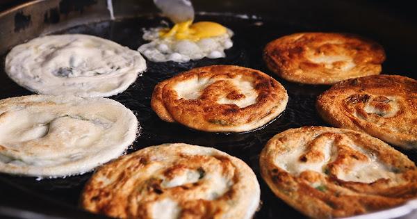 彭記蔥油餅 宜蘭東門夜市 酥脆噴香的濃郁好味