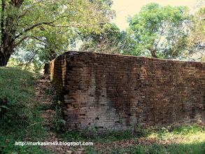 Photo: Benteng Sanrobone, Takalar, Indonesia, dibangun pada tahun 1515-1520. http://nurkasim49.blogspot.ae