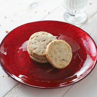 Cinnamon Pecan Toffee Cookies