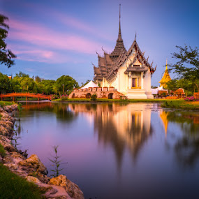 White Temple Sunset Pix.jpg