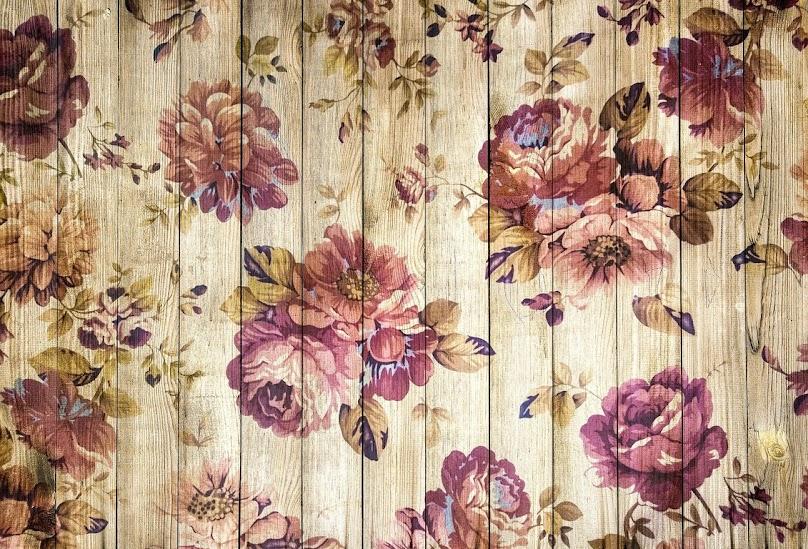 Kwiatowy wzór na ścianie