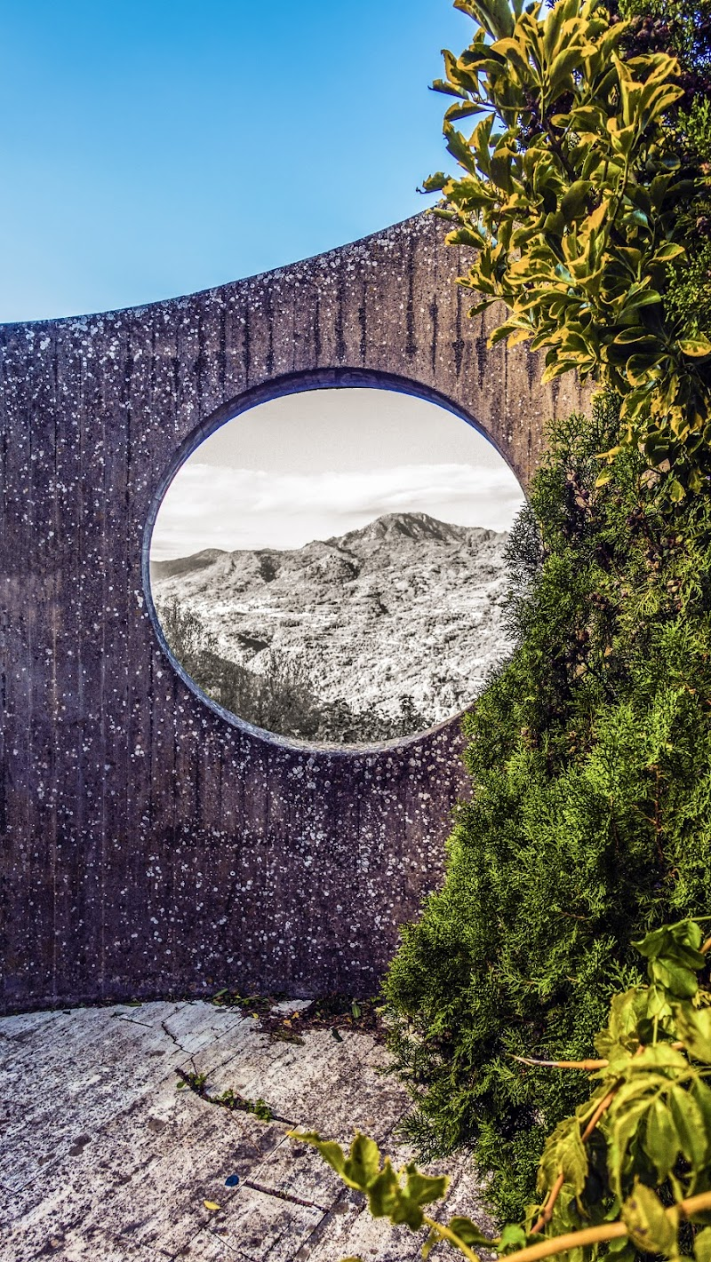 Il monte con il cerchio intorno di lugiube