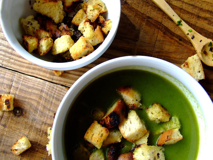 Spinach cream w / Croutons