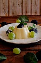 Photo: Flan de queso con uvas - http://cakesparati.blogspot.com.es/2014/07/flan-de-queso-con-uvas.html - Isabel